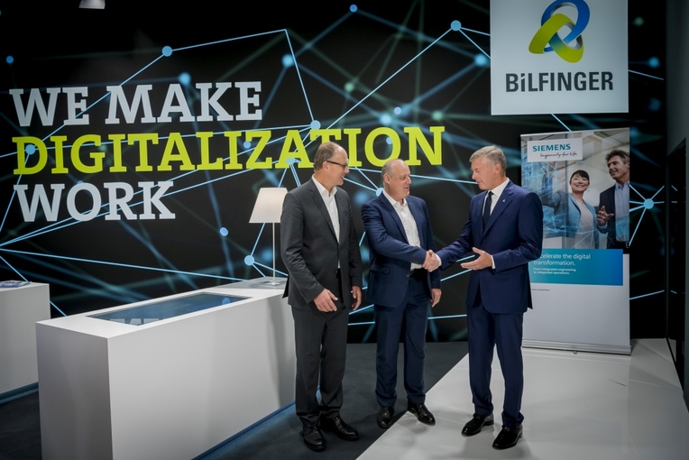 Bilfinger and Siemens want to intensify their cooperation. That was confirmed today with a handshake by Dr Jürgen Brandes, Siemens CEO Process Industries and Drives, Eckard Eberle, Siemens CEO Process Automation, and Tom Blades, Bilfinger CEO, at Achema 2018 in Frankfurt (from left to right).